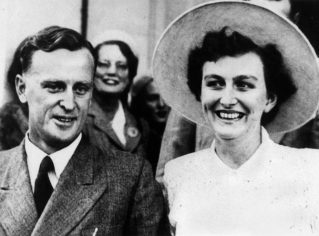 Joh and Flo on their wedding day (31 May 1952). Bjelke-Petersen was sworn in as Premier on 8 August 1968. He retained the Police Ministry. John Oxley Library, State Library of Queensland Neg.  No. 1 102284